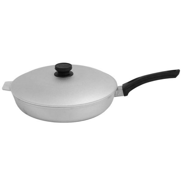 Frying pan with flat bottom and lid А302